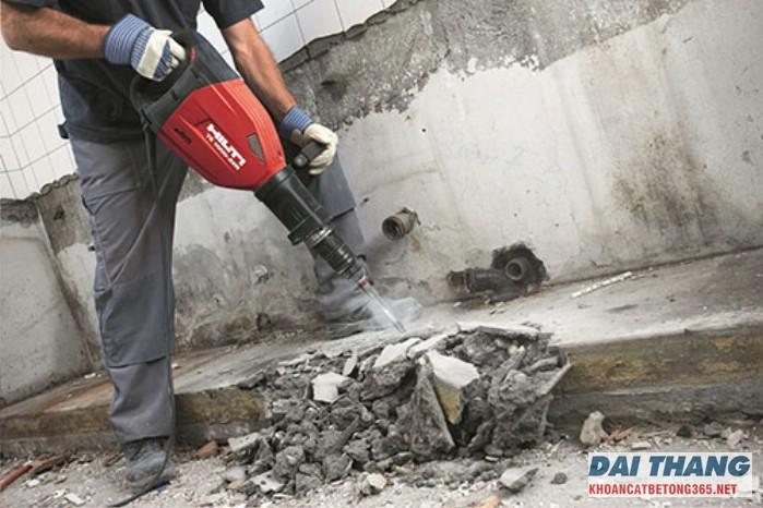 Đục phá bê tông tại khu vực Lê Duẩn